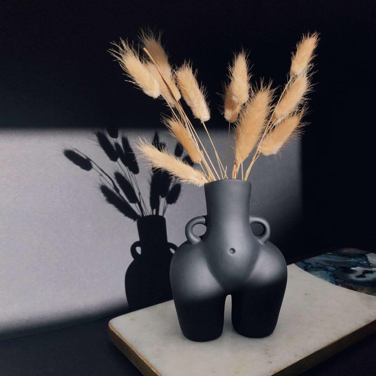 bum vase, cheeky bum vase, love handles vase, female body vase, body vase, resin vase, vase for pamaps, vase for bunny tails, black vase, white vase